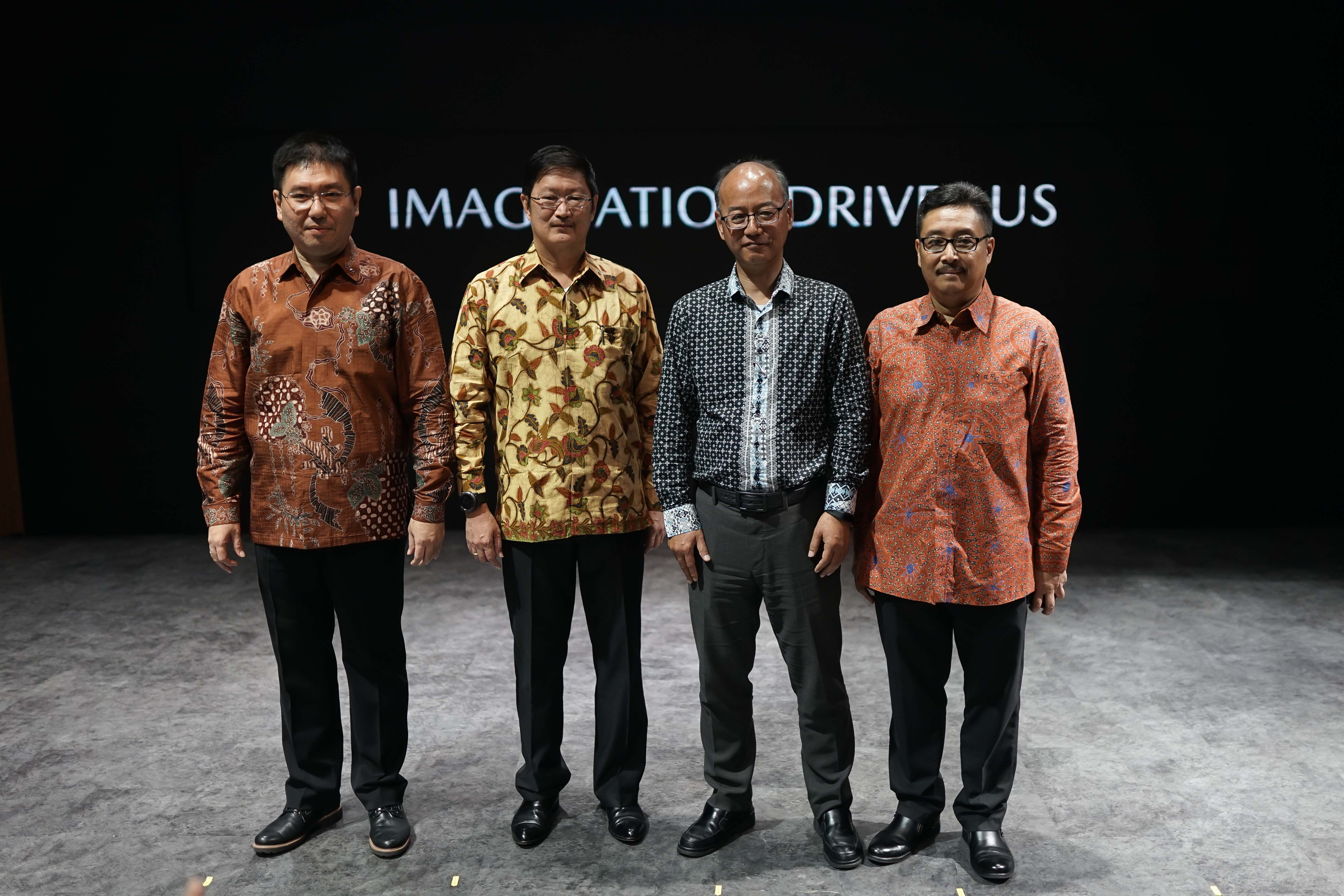 Representatives of PT EMI and Mazda Motor Corporation at the Telkomsel Indonesia International Motor Show 2019 (from left to right): Mr Ricky Thio, Director of Sales, Marketing & PR, PT Eurokars Motor Indonesia; Mr Roy Arman Arfandy, President Director of PT Eurokars Motor Indonesia; Mr Yoshinori Nishihara, Regional Manager, ASEAN Business Office, Mazda Motor Corporation and Mr Igor Panjaitan, Customer Service Director, PT Eurokars Motor Indonesia