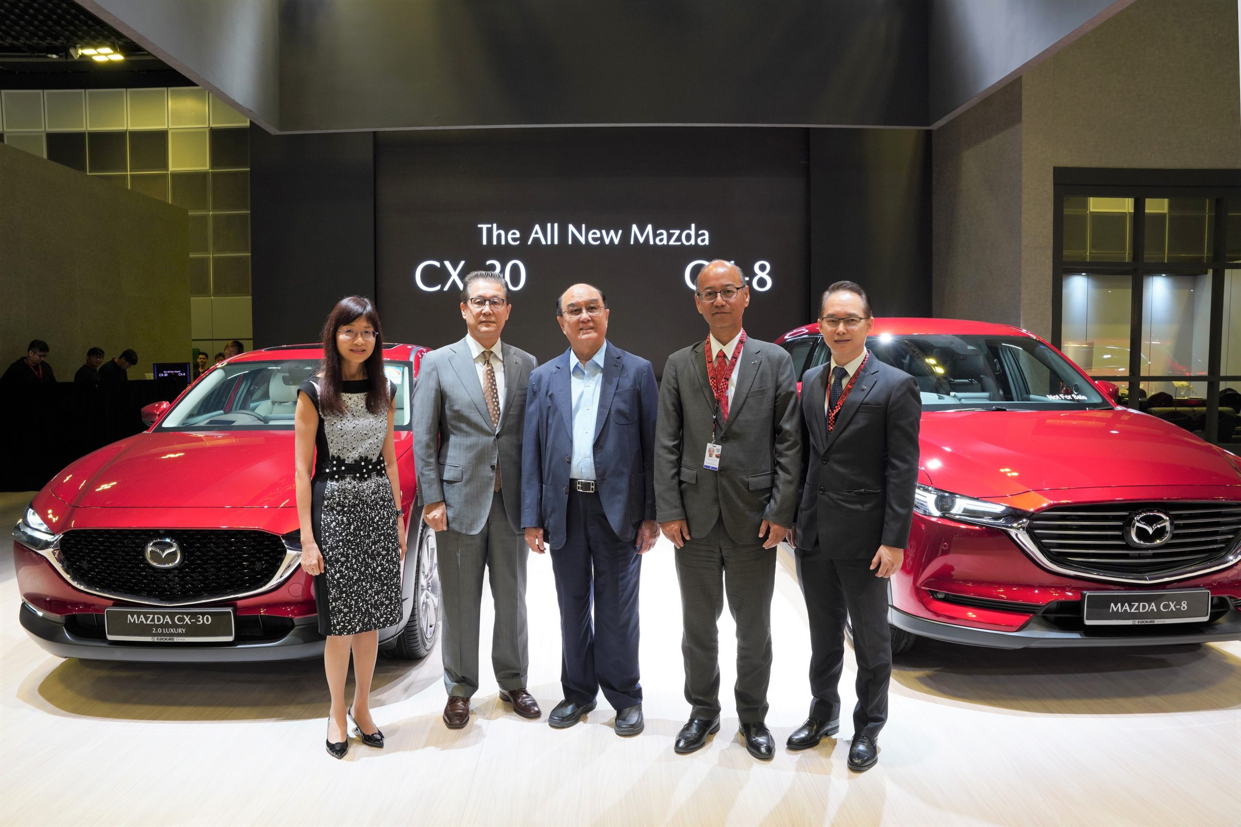 Senior Management representatives from Eurokars Group and Mazda Motor Corporation with the all-new Mazda CX-30 and Mazda CX-8 that were unveiled at the Singapore Motorshow 2020