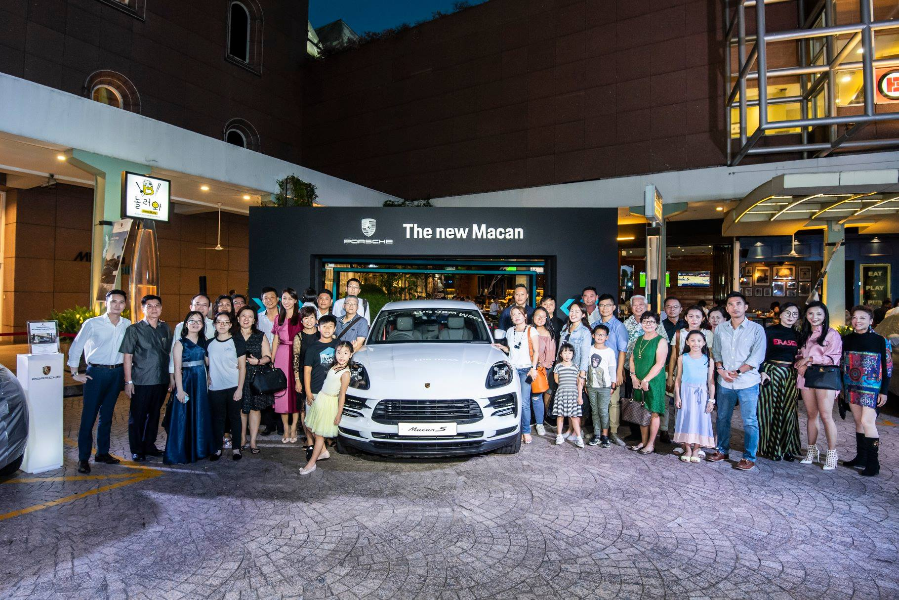 Owners of the new Porsche Macan gathered for a group photoshoot