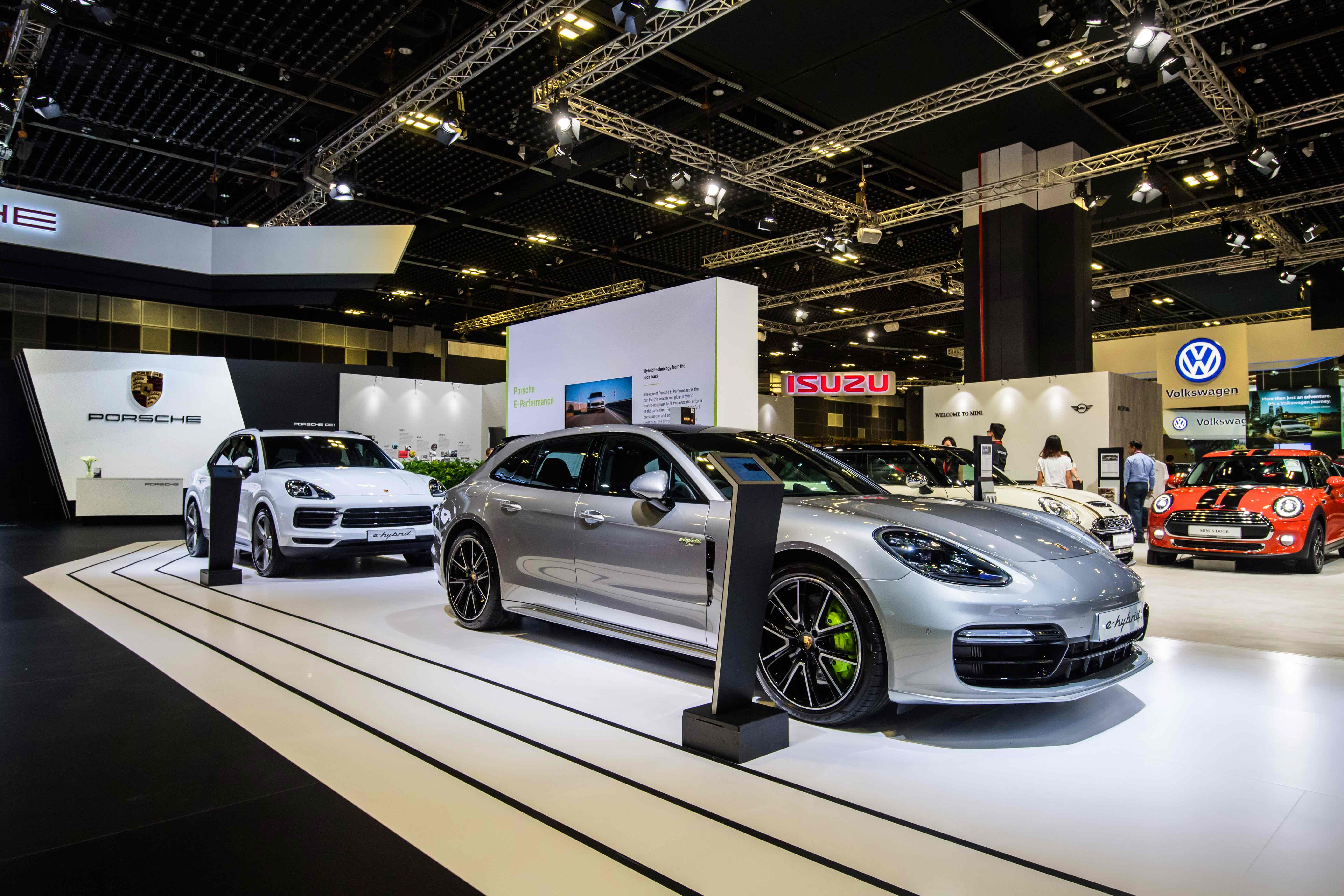Porsche Cayenne E-Hybrid and Porsche Panamera E-Hybrid at the Singapore Motorshow 2019