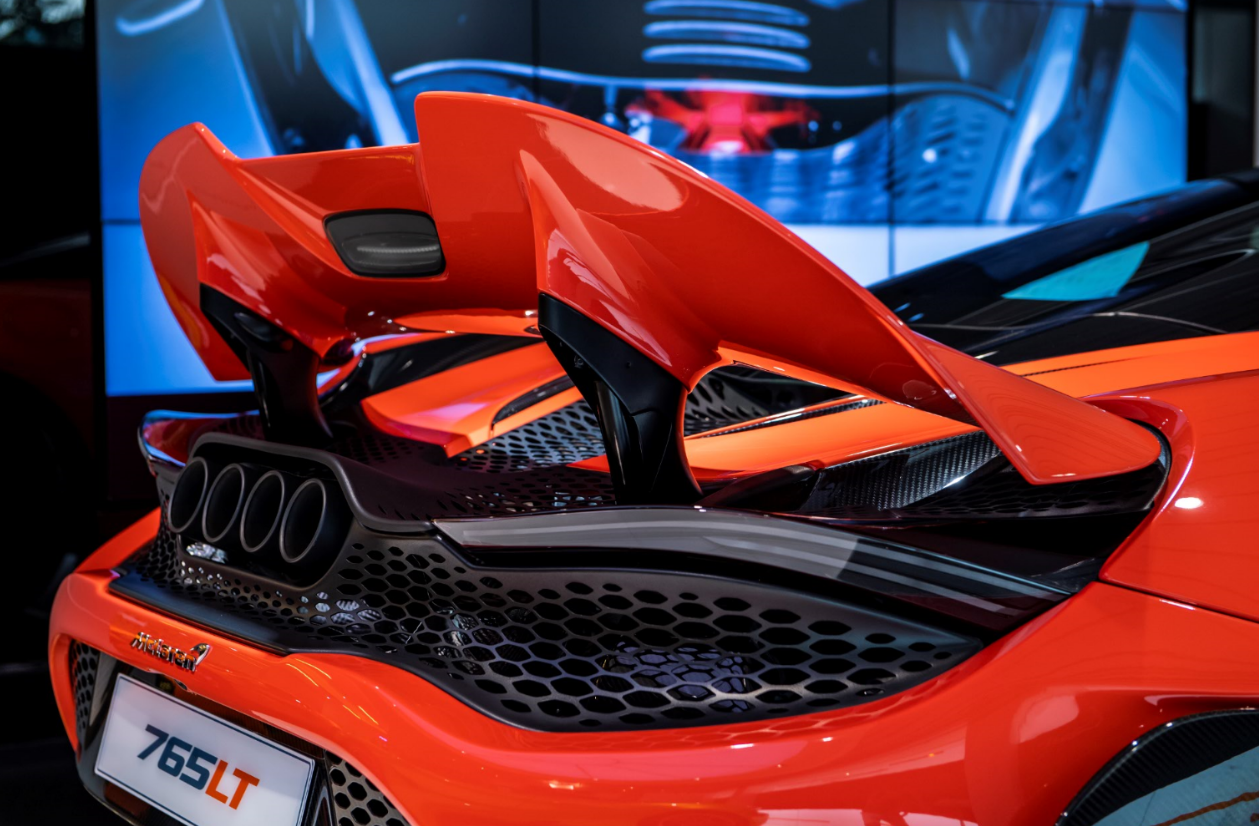 A new active rear wing defines the Longtail profile while the all-titanium quad-exit exhaust is unique to the 765LT