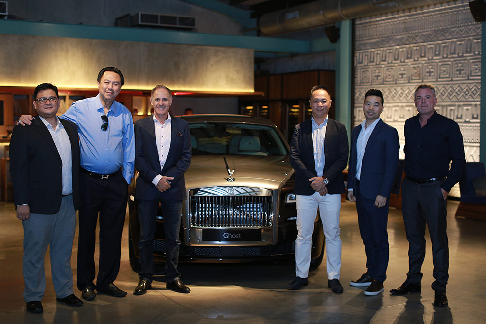 Mr Donny Makalew, General Manager for Sales and Aftersales, Rolls-Royce Motor Cars (Jakarta) (left); Mr Christoph Choi, Managing Director, Porsche Indonesia (second from right) and Mr Alistair Toyne, Senior Business Development Manager, Moet Hennessy Asia Pacific (right), together with Rolls-Royce customers (from left to right): Mr Hengky Setiawan, Mr Paul Whelan and Mr Wilson Wu